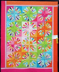 Circles of Joy by Barbara H. Wynne.  Photo by Pursuit of Quilts: Quilters Unlimited 42nd Annual Quilt Show 2015.  Pattern by Liz Porter.