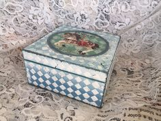 Decoupage Tutorial on Wooden Box - Ντεκουπάζ σε Ξύλινο Κουτί -  Diy by Debi
