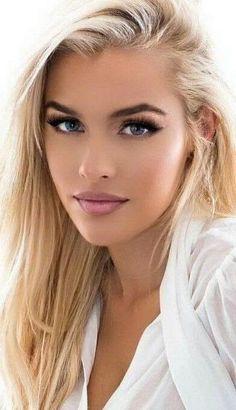 escort trans claudia blond