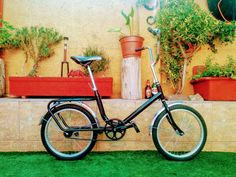 Reparación de bicicletas en La Florida. #bicicletas #restauracion #pintura #reparacion Custom Bikes, Minions, Bicycle, Florida, Travel, Bicycle Types, Riding Bikes, Autos, Bike