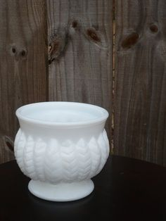 SALEVintage+Small+Milk+Glass+Planter/Bowl+by+aqualime+on+Etsy,+$12.50