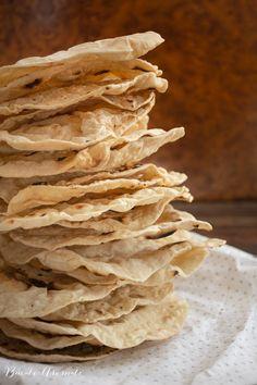 Turte de Crăciun (Scutecele Domnului) Snack Recipes, Snacks, Feta, Snack Mix Recipes, Appetizer Recipes, Appetizers, Treats, Relish Recipes