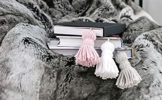 Tassel-Bookmarks-DIY9