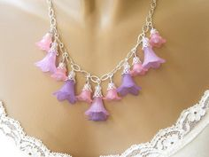 lucite flower beads | Lucite flower necklace with purple and pink flowers