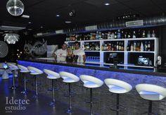 Diseño y decoración de bar de copas.