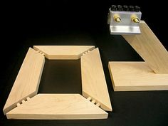 This picture shows a 1x4 to 1x4 multiple dowel woodworking miter joint configuration for building a table top or picture frame with the Dowelmax dowel jig