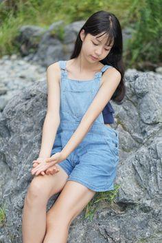 待望の初個撮『ニーナさん』 | 温故知新 Young Japanese Girls, Beautiful Japanese Girl, Beautiful Little Girls, Beautiful Asian Girls, Teen Girl Poses, Girl Photo Poses, Cute Asian Girls, Cute Girls, Asian Kids