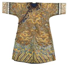 073e6922c AN EMBROIDERED SILK DRAGON ROBE, QING DYNASTY, LATE 18TH / EARLY 19TH  CENTURY couched