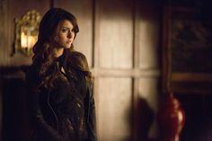 Vampire Diaries EP Talks Katherine's 'Final' Move, Damon's S | The Vampire Diaries