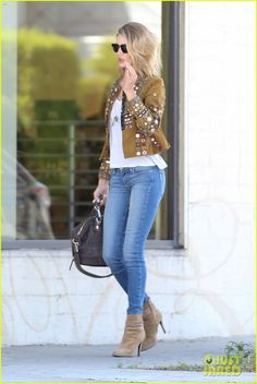 Calca jeans lavagem linda. Shirtless Jason Statham Wears Leopard Print Underwear in '90s Music Video - Watch Now!