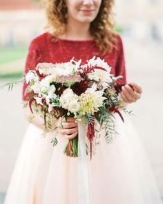 Bouquet Breakdown: Elegant + Fun Innercity Elopement in Berlin Peach Bouquet, Red Bouquet Wedding, Bridesmaid Bouquet, Red Wedding, Wedding Flowers, Wedding Stuff, Elope Wedding, Destination Wedding, Elopement Wedding