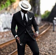 Stylishly Done With Such Class Old Man Fashion, Mens Fashion Suits, Fashion Outfits, Men's Fashion, Office Fashion, School Fashion, Fashion Styles, Dapper Gentleman, Gentleman Style