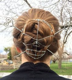 Skull & Crossbones galvanized steel Bun Cover by Kyle Wyatt. (skull= 18 gauge, crossbones gauge) for longer/thicker or for mid length hair. Look 80s, Mid Length Hair, Grunge Hair, Hair Dos, Bun Hairstyles, Updo Hairstyle, Wedding Hairstyles, Hair Jewelry, Shell Jewelry