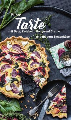 Colorful beetroot tart with honey mustard cream, mild goat cheese .-Bunte Bete Zwiebel Tarte mit Honigsenf Creme, mildem Ziegenkäse Colorful beetroot tart with honey mustard cream, mild goat cheese and nut bottom - Onion Tart, Easy Smoothie Recipes, Honey Mustard, Beetroot, Goat Cheese, Veggie Recipes, Tart Recipes, Queso, Food Inspiration