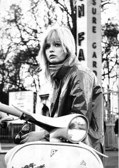 A Mod Girl ~ Really it seems the lip look was definitely  the pout.