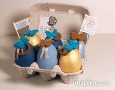 HUEVOS DE PASCUA. Este mes hemos preparado un tutorial exprés temático para estos próximos días de Pascua que se acercan. Con una simple huevera y utilizando como base los nuevos huevos de pórex de nuestro catálogo, podréis crear estos divertidos huevos decorativos que seguro que les va a encantar a los más pequeños de la casa.      http://innspiro.com/blog/huevos-de-pascua/