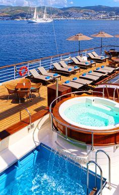 Luxury super yacht