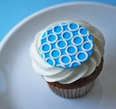 Fondant cupcake topper - these are precious!  They also do lots of other designs.