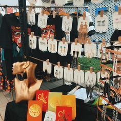 Top the markets attracts tourists in Saigon  #markets  #marketsinsaigon #marketsinhochimicity #hochiminhcity