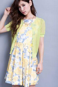 春らしいパステルカラーと花柄のコンビが可愛いワンピ。Million Carats 【東京ランウェイ 石田ニコルちゃん着用/予約販売/カタログP18・19掲載】BIGフラワーワンピ(イエロー) Spring color dress on ShopStyle