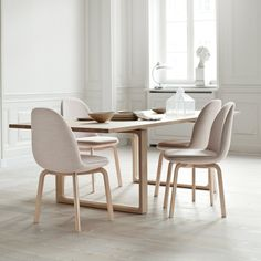 Sammen™ is a new soft and comfortable dining chair designed by Jaime Hayon for Fritz Hansen. Comfortable Dining Chairs, Modern Dining Chairs, Fritz Hansen, Scandinavian Furniture, Modern Furniture, Dining Room Design, Dining Rooms, Cheap Home Decor, Chair Design