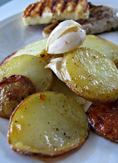 Valkosipuliperunat - Ruokapankki