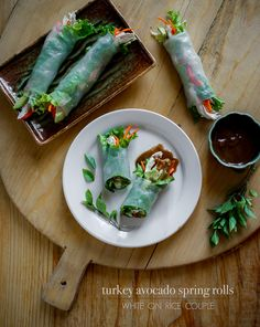 Asian Food Recipes: Spring Rolls Recipe: Turkey Avocado Spring Rolls with Hoisin Peanut Dip Healthy Spring Rolls, Fresh Spring Rolls, Summer Rolls, Asian Recipes, Healthy Recipes, Ethnic Recipes, Asian Foods, Hamburgers, Cooking Recipes