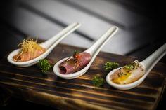 Tiraditos Osaka: Tal vez sea el tiradito el plato que mejor representa la cocina nikkei, un tipo de comida que fusiona el sabor criollo peruano con el japonés. Porque, ¿qué cosa es un tiradito sino un ceviche en el que el pescado se ha cortado cual finísimo sashimi?