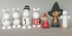 Puiset Muumi figuurit - koko sarja Moomin, Christmas Ornaments, Holiday Decor, Decorations, Home Decor, Google, Decoration Home, Room Decor, Christmas Jewelry