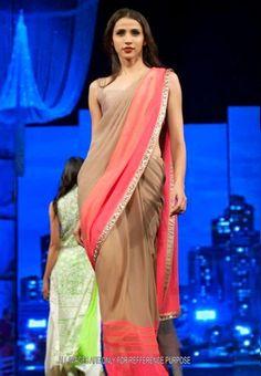 Manish Malhotra Designer Saree In Fashion Week