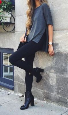 This is such a comfy but chic looking outfit. It looks very trendy but at the same time, is loose and relaxed. This outfit would work for so many occasions and could be dressed up with so many accessories. Komplette Outfits, Fall Outfits, Casual Outfits, Fashion Outfits, Fashion Mode, Look Fashion, Womens Fashion, Fashion Trends, Fashion Black