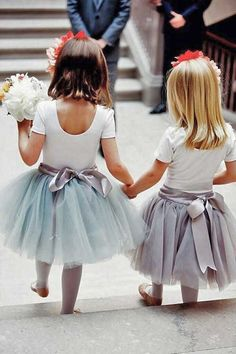 Flower girl dresses and hairstyles / http://www.himisspuff.com/big-ideas-for-little-flower-girls/5/