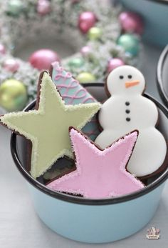 Last batch of cookies for this year! Chocolate sugar cookies covered in pastel royal icing, ready to hand out in my new Barn Light Electric enamelware bowls. Christmas Sugar Cookies, Christmas Sweets, Christmas Cooking, Noel Christmas, Christmas Goodies, Holiday Cookies, Holiday Treats, Snowman Cookies, Whimsical Christmas