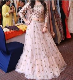 New wedding gown classy skirts ideas Designer Bridal Lehenga, Indian Bridal Lehenga, Indian Gowns, Red Lehenga, Lehenga Choli, Pakistani Dresses, Anarkali, Indian Wedding Outfits, Indian Outfits