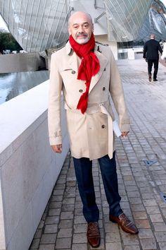 Pin for Later: Les Célébrités Se Bousculent à la Fashion Week de Paris Christian Louboutin Au défilé Louis Vuitton.