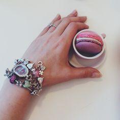 Double flavor macaron seasoned with a proper #armcandy #pinkwish #pinkwishlife — with Julie Pink.