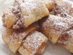 New York-banRugelach - Hanukarácsonyi barackos-diós kifli Poppy Cake, Hungarian Recipes, Hungarian Food, Homemade Cookies, Winter Food, French Toast, Dessert Recipes, Food And Drink, Sweets