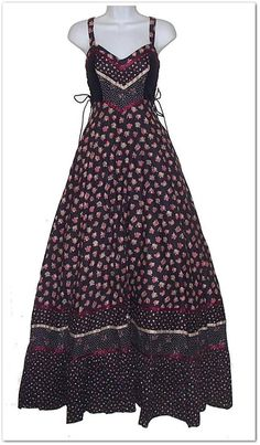 Black and purple Gunne Sax maxi sundress with velvet bodice sides and side corsets. 51M95