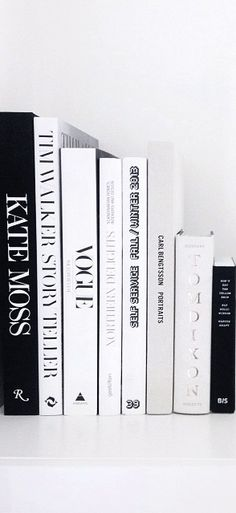 Via NordicDays.nl | Eliarose89 | Black and White | Styling | Books
