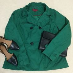 "Short Cotton Twill Emerald Green Swing Trench Coat This cute, short trench coat is a gorgeous emerald green color that's perfect for transitioning to spring. The swing style is comfortable and easy to move around in. It's a size L, but the design makes it very roomy and easy to wear if you have hips ;) it's also super cute with a pair of skinnies and boots. It's approximately 26"" long, 16"" across the shoulders from seam to seam, and 21"" across at the bust with about a 5"" gusset. Let me know…"