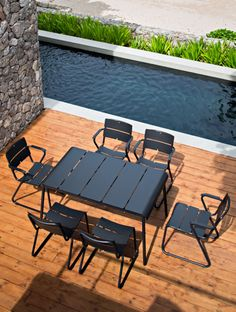 Black outdoor dining | OASIQ, Collection Corail