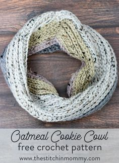 Join us for 3 new scarf patterns from the 2017 Scarf of the Month Club! My October pattern is this chunky Oatmeal Cookie Cowl. Get the free pattern here.