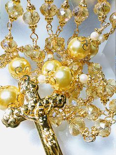 ANTIQUE VINTAGE STYLE CHAMPAGNE GOLD TOPAZ CRYSTAL PEARL CATHOLIC ROSARY BEAD