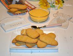 I Biscotti di mais e cannella sono molto gustosi e leggeri, preparati senza burro nè latte per una sana colazione. La farina di mais dona a questi biscotti un colore luminoso e vivace ed un sapore delicato e sabbioso