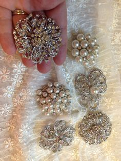 Lot of 6 rhinestone and pearl brooches. DIY brooch bouquet. Brooch pin wholesale. Pin bouquet. Broach pin.