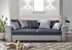 Eine klassiche #Couch mit viel Komfort und noch mehr Stauraum. (jetzt auch mit Schlaffunktion)