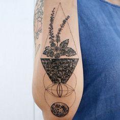 ... needle black blue needle black blue lines vesica piscis tattoo tattoos