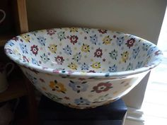 Emma Bridgewater Studio Special Polka Flowers Bowl for Collectors Day Emma Bridgewater Pottery, Flower Bowl, Stoke On Trent, Cottage Style, Tea Pots, Marmalade, Tableware, Cookware, Salad