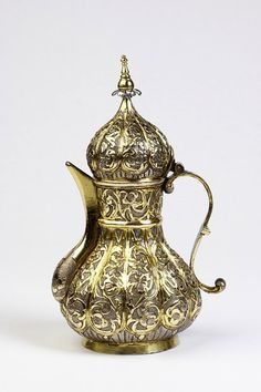 'ottoman baroque' style coffee pot in copper and silver gilt • early 19th century • see more in the museums of Istanbul when you stay with us at www.istanbulplace.com holiday apartments