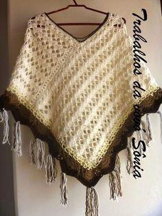 Trabalhos da vovó Sônia: Poncho feminino retângulos bege - crochê
